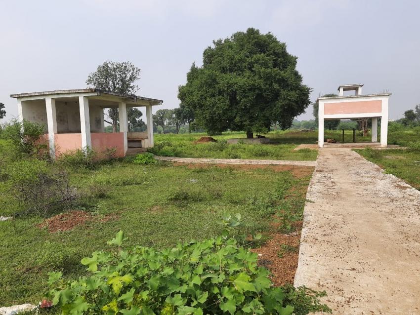 नेता की दबंगई: जहां जाने का नहीं रास्ता आम, नेता प्रतिपक्ष कोठले ने उसी निजी जमीन पर बनवाया मुक्तिधाम
