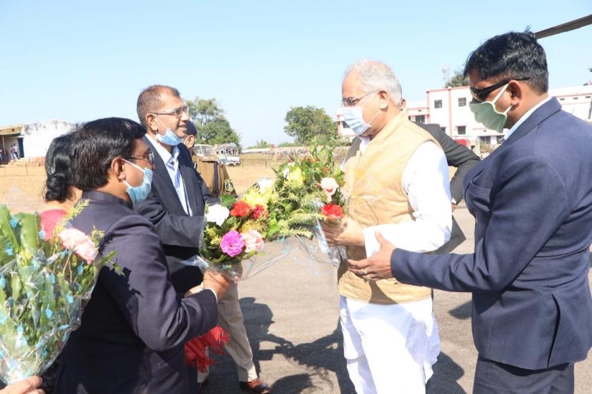 मुख्यमंत्री ने जशपुर जिले को दी 792 करोड़ रूपएके 196 विकास कार्याें की सौगात