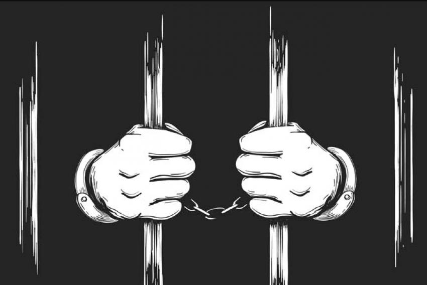 शराब दूकान के लूट के मामले में तीन आरोपी पुलिस की गिरफ्त में, 2 आरोपी अभी भी फरार, 1 ने की खुदकुशी